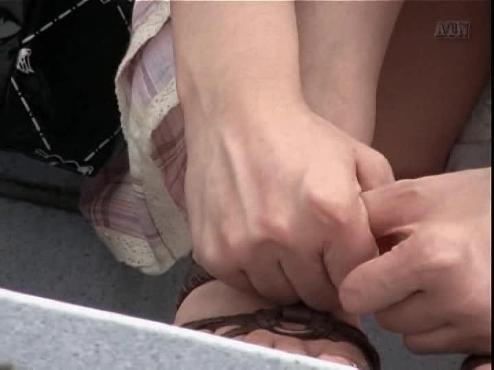 【ミニスカ】素人で美少女のスカートの中のパンティ☆パンチラを本当に盗◯!